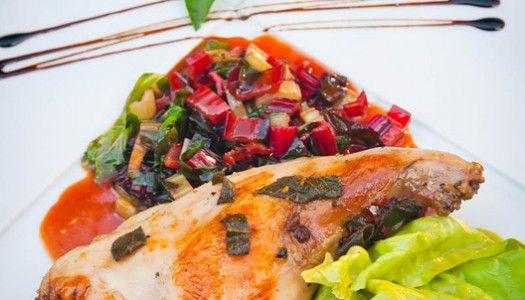 Zsályás vajban konfitált nyúlcomb, langyos saláta és mángold főzelékkel
