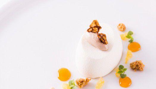 Fehércsokoládé mousse puszedli fagylalttal