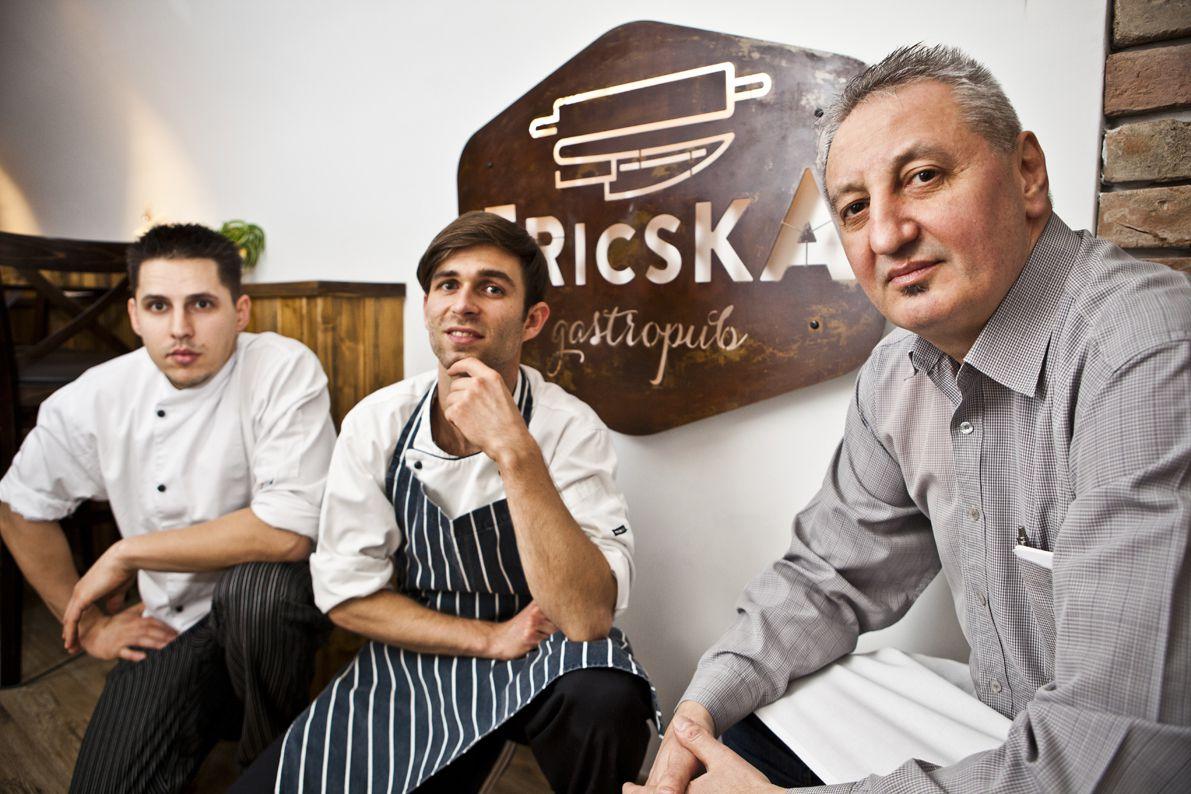 Nagy Szabolcs, Giczi Andor és Csongrádi Csaba a Fricska Gasztropubból (balról jobbra) - fotó: Nagy Balázs