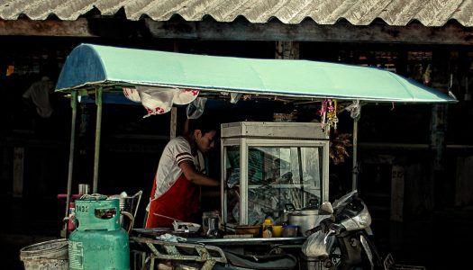 Bangkok felszámolja a street foodot?