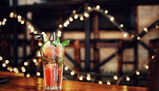 Koktélidő! Pezsgő, rum, whiskey, vodka az ünnepekre hangolva