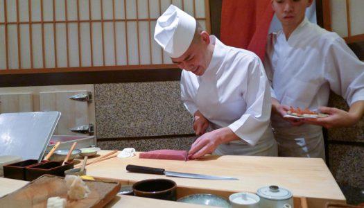 8 székes japán étteremhez kér segítséget az üzletember